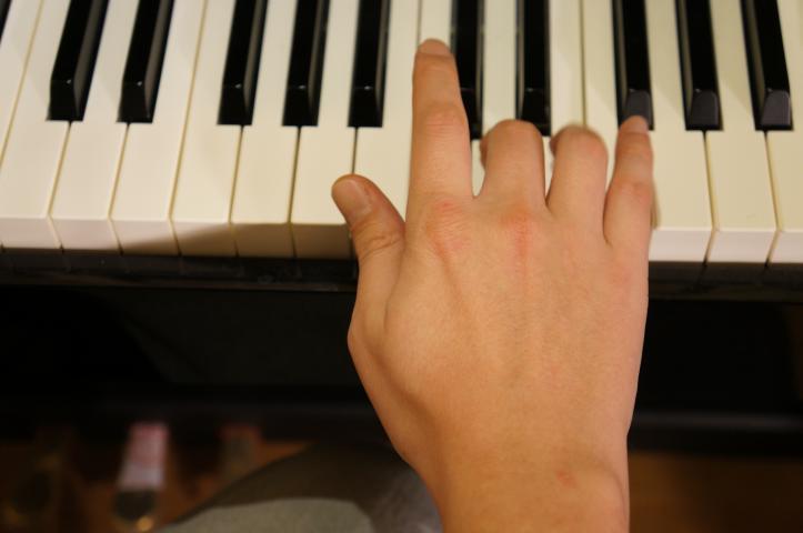 Klavierspielen erhöht Ihre Konzentration!